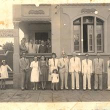 Inauguração do Dispensário de Tracoma, janeiro de 1944. O prédio situava-se na Rua Carlos Gomes, entre as Ruas Dr. Antônio Furlan Jr. e Cel. Francisco Schmidt.