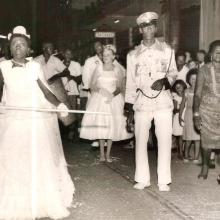 Desfile carnavalesco do Bloco Flor de Maio, década de 1960.