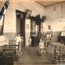 Barbearia da cidade na década de 1930.