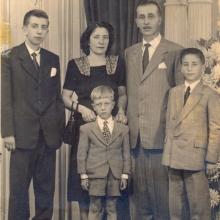 Família Rossin em São Paulo, final da década de 1940. Acima, da esq. p/ dir.: José Antônio Rossin, Maria Assumpta P. Rossin e Rindolpho Rossin. Abaixo: Sérgio Rossin e Ricardo F. Rossin.