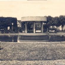 Fonte Luminosa da Praça 21 de Abril, década de 1970.
