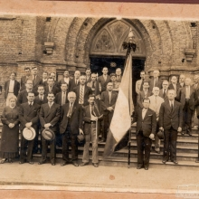Evento religioso na escadaria da Igreja Matriz de N. S. Aparecida, década de 1930.
