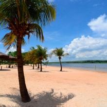 Detalhe da praia no Parque Ecológico e de Lazer Gustavo Simioni