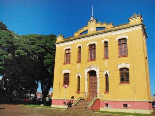 Centro Municipal de Memória de Sertãozinho sedia oficina de capacitação na área de museus [Foto: Adilson Lopez]