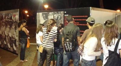 Mostra sobre a Ditadura na Praça de Cruz das Posses