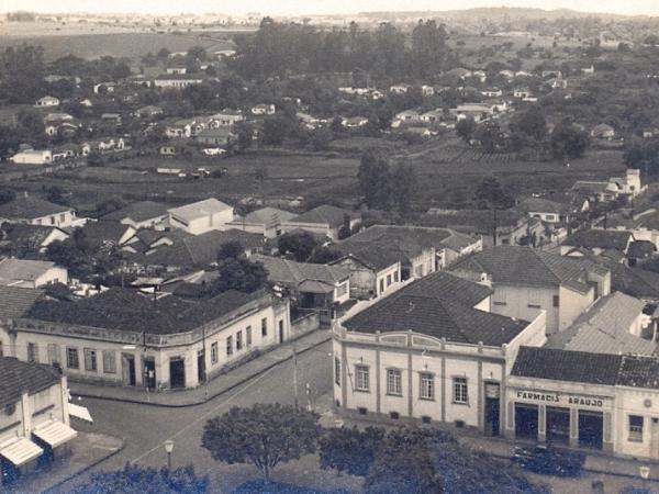 O novo site do Centro Municipal de Memória e do Museu de Sertãozinho, que funcionará a partir do 12 de setembro, reunirá fotografias, obras de artes, jornais e documentos antigos / Foto: Arquivo CMM